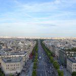 パリ凱旋門からの景色とシャンゼリゼ通り観光
